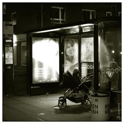 mozartplads-natt-barnvagnKvinna-1
