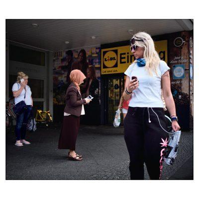 ThreeWoman-Neukoeln-KarlMarxStrasse_DSF0145-1